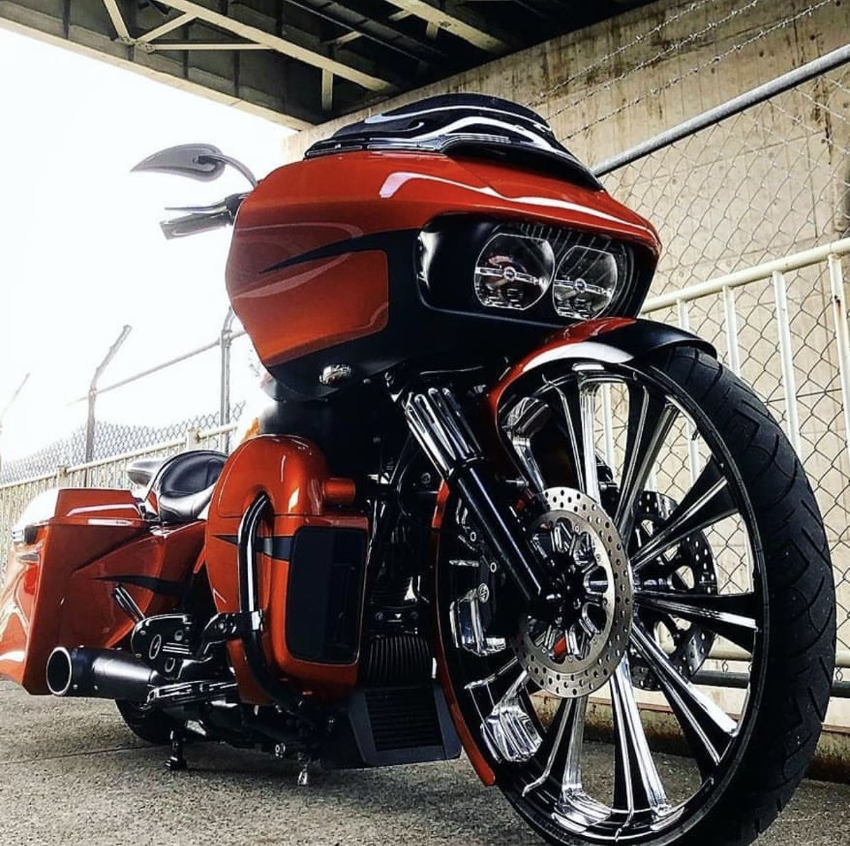Pin by French Fuqua on Baggers in 2020 Harley road glide