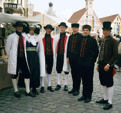 Norddeutsche Tracht