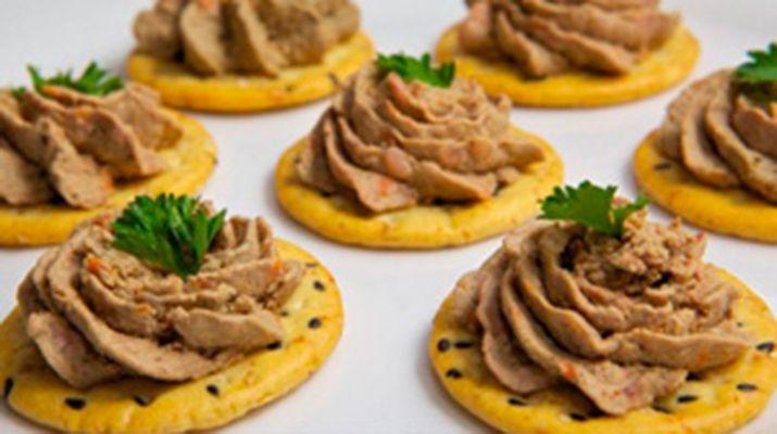 Prazdnichnyj Pechenochnyj Pashtet S Ovoshami Chicken Livers Chicken Liver Pate Food