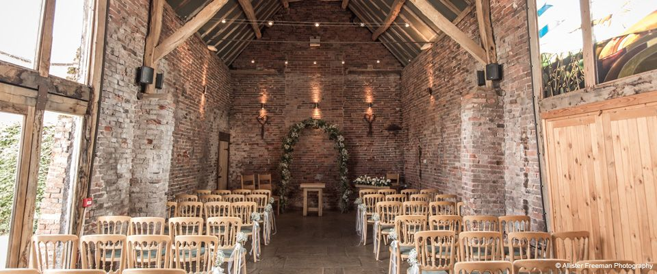 Image from http://www.wedding-venues.co.uk/Images/VenueImages/1_packington-moor-staffs-2.jpg.