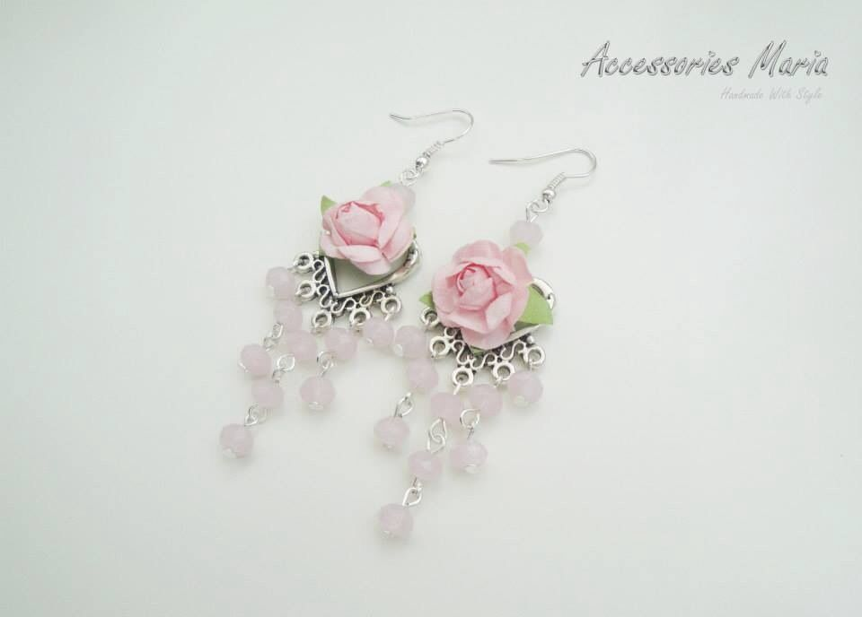 Cercei cu floricele (20 LEI la AccessoriesMaria.breslo.ro)  #earrings #flowers #roses #handmade #AccessoriesMaria