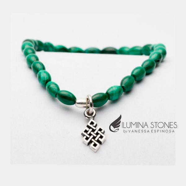 Malaquita con nudo celta de plata, nuestras piedras son calidad AAA seleccionadas y trabajadas a mano. #hechoenmexico #bracelets #happiness #abundance #comunication #health