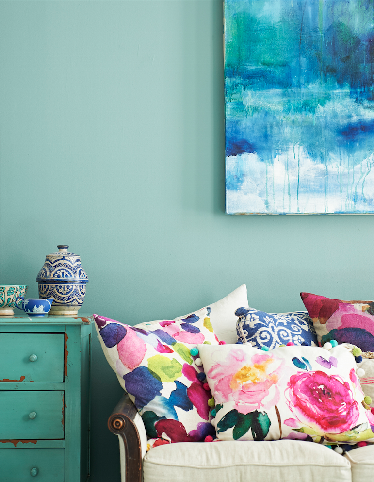 Ooh Pretty Watercolor Print Pillows Beautiful Ideas To Bring Florals And Colour Into Your Interior Design BooksDesigner