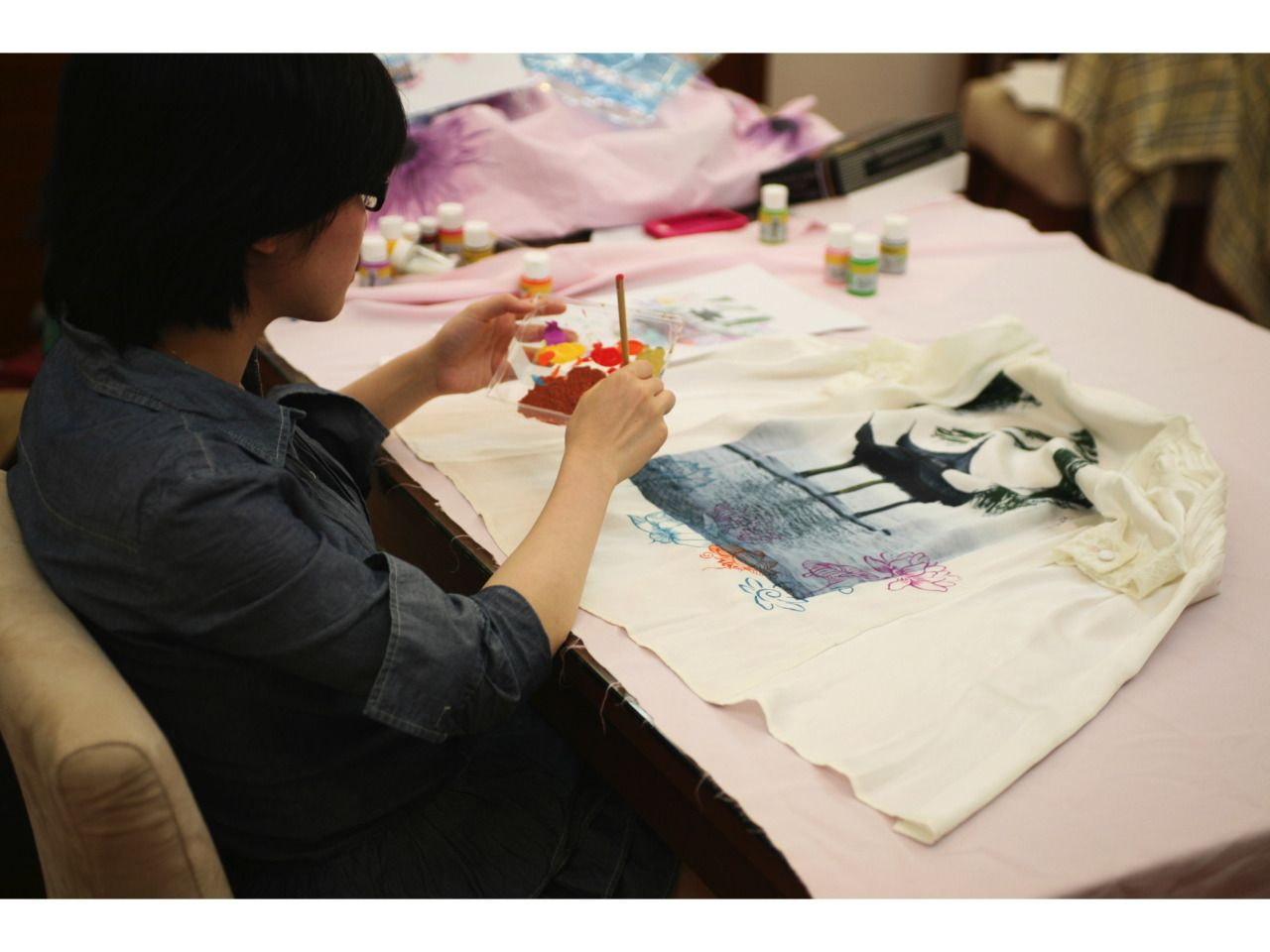 Story 20.....  It was the very beginning of Adventuryx history. I met some great artists and fashion lovers in Shanghai between 2010 to 2012.   #fashion #style #adventuryx #taletovich #fashionista #style #jeansbrand #shanghai #artists  #silk #photography