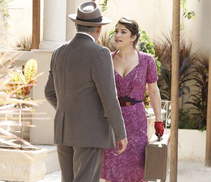 Diana sai da casa de Severo (Foto: Raphael Dias/Gshow)