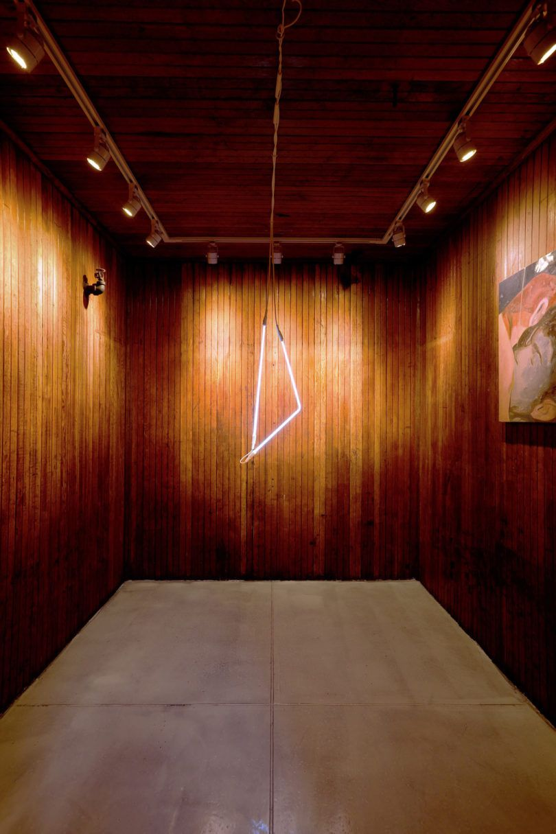Michael Yarinsky Makes a Showroom / Art Gallery Much Cooler