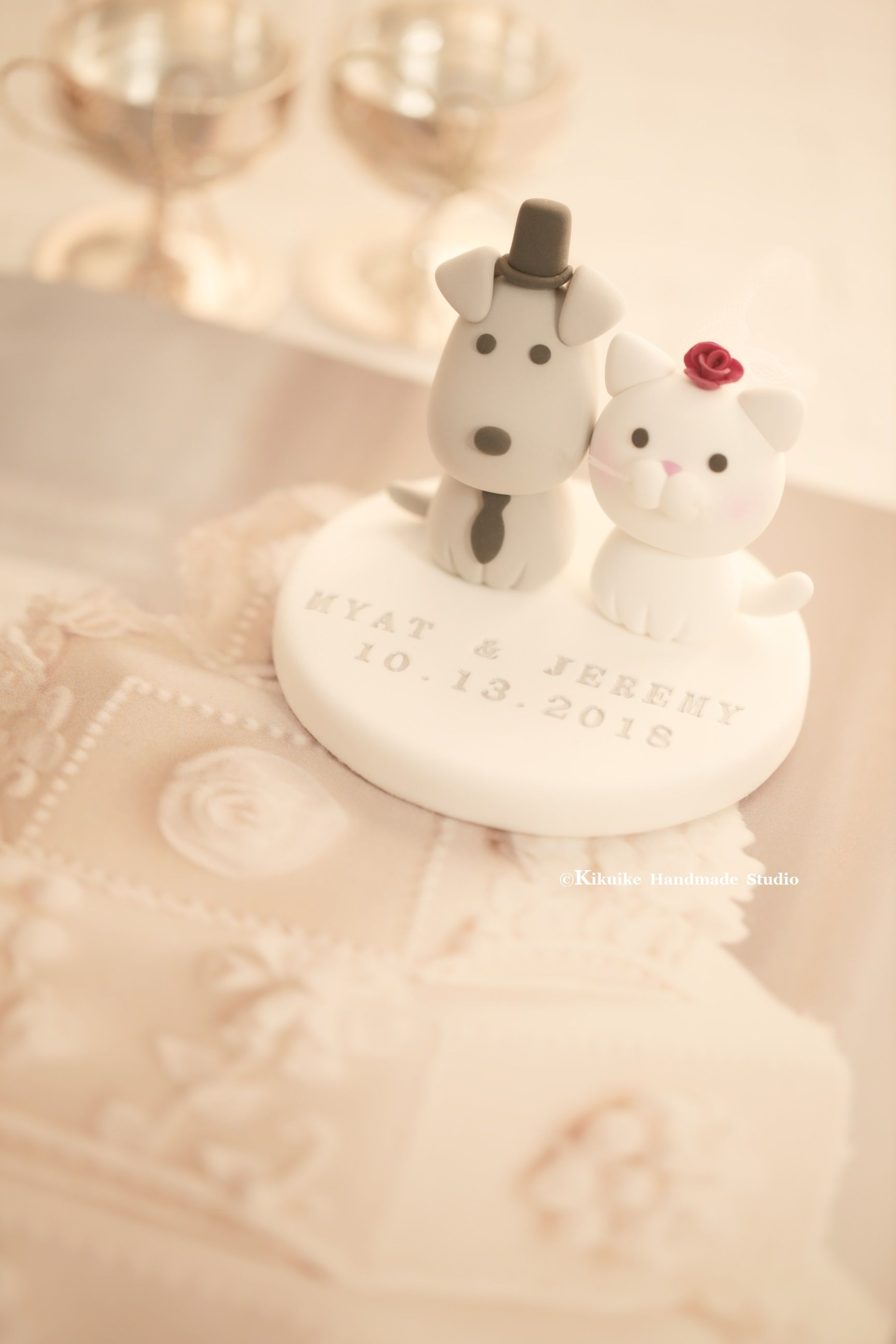 Cat and dog wedding cake topper in cats u dogs cake topper