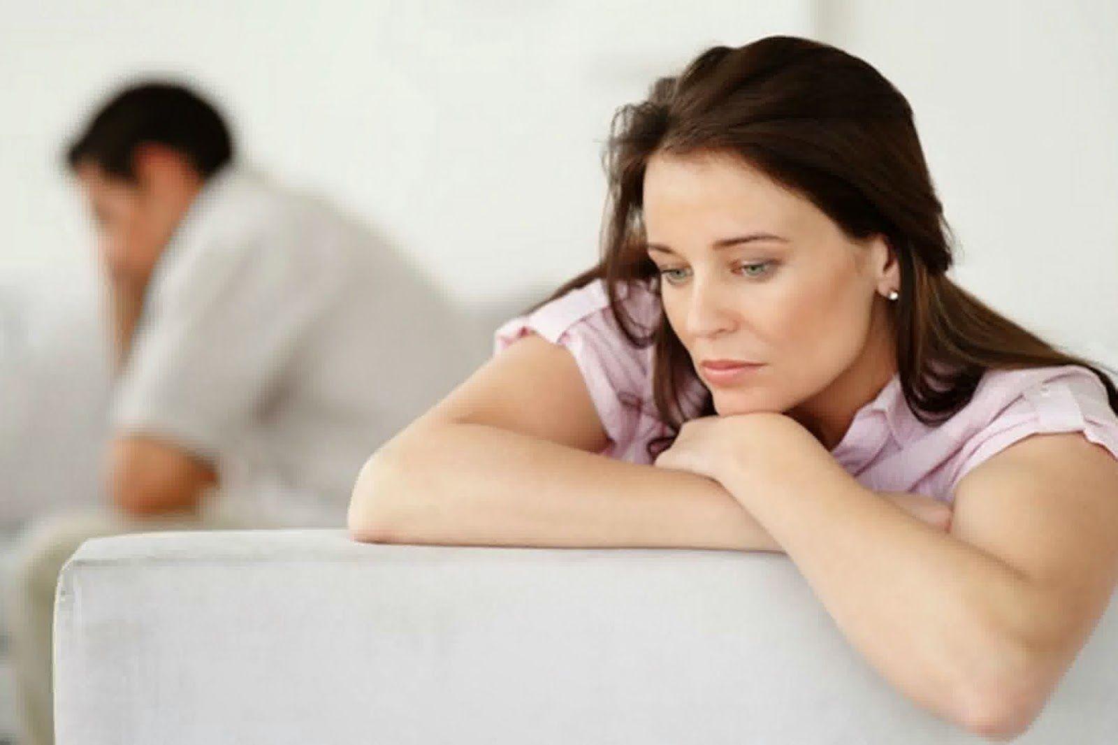 اسرة سعيدة الاسرة السعيدة والحقوق الشخصية للزوجة Unhappy Marriage Marriage Problems Loveless Marriage