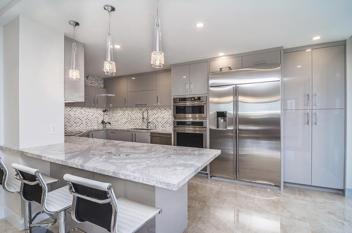 Sleek Classy And Modern You Can Find All Of Those In The Latest Ultracraft Cabinetry Kitchen Rem Beautiful Kitchen Designs Beautiful Kitchens Kitchen Design