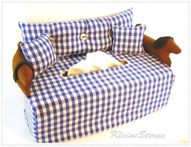 2 Dackel auf blau-weiß-kariert- Kosmetikboxbezug von KleineSterne auf DaWanda.com