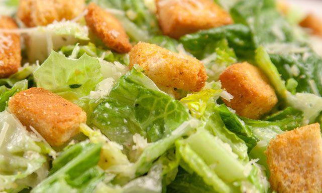 طريقة عمل سلطة سيزر بالدجاج Recipe Caesar Salad Ceasar Salad Salad