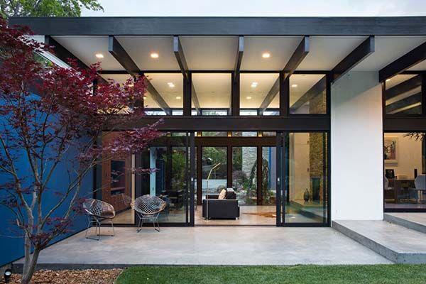 Fascinating Eichler-inspired home renovation in California
