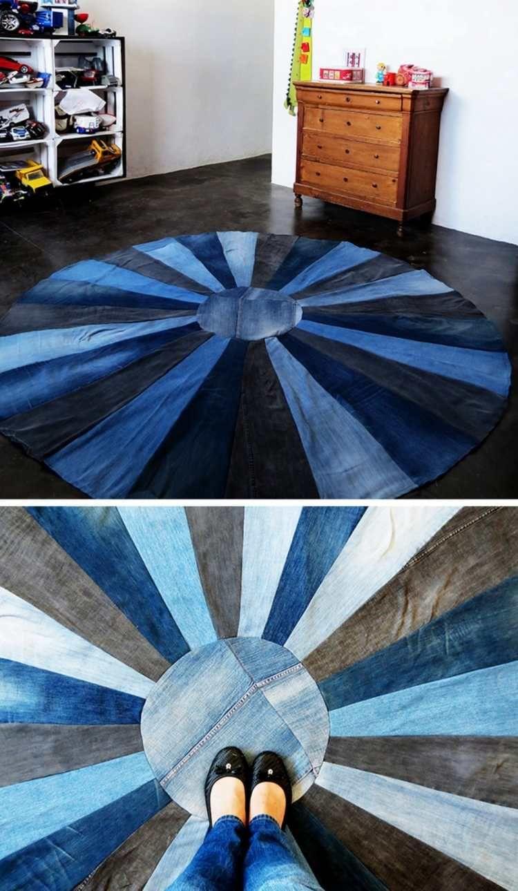 runder Teppich aus unterschiedlichen Jeansstoffen   FARMERBŐL ...