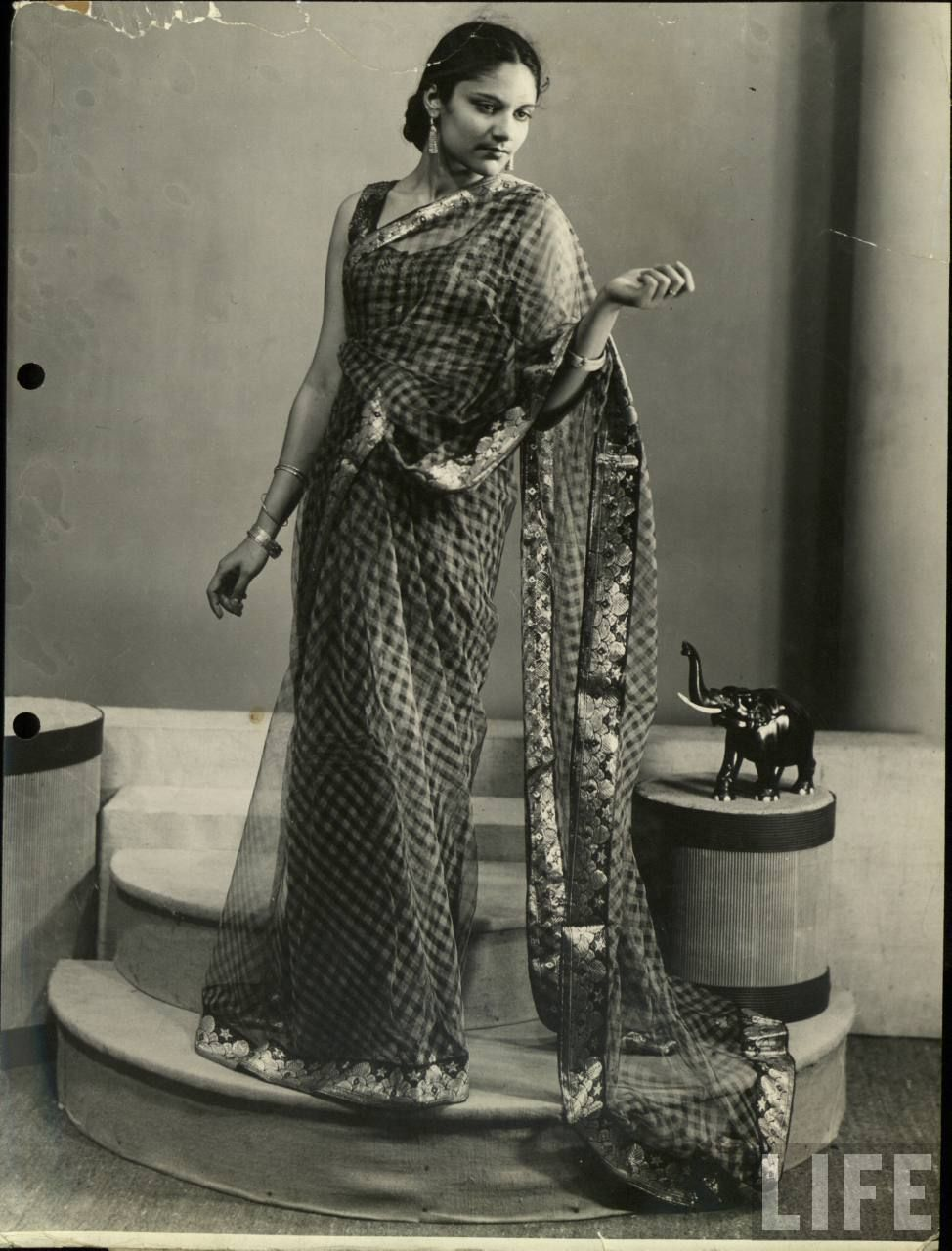 Studio Photograph Of An Indian Model 1940s Indian Fashion Pinterest Indian Models