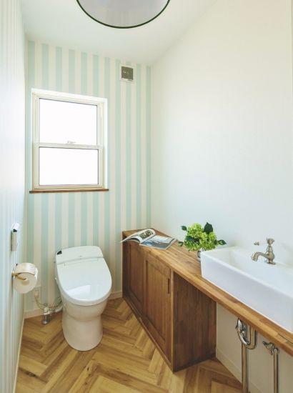 かわいい家photo では かわいい家づくりの参考になる ナチュラル フレンチ カフェ風なおうちの実例写真を紹介しています トイレ インテリア トイレ おしゃれ 家
