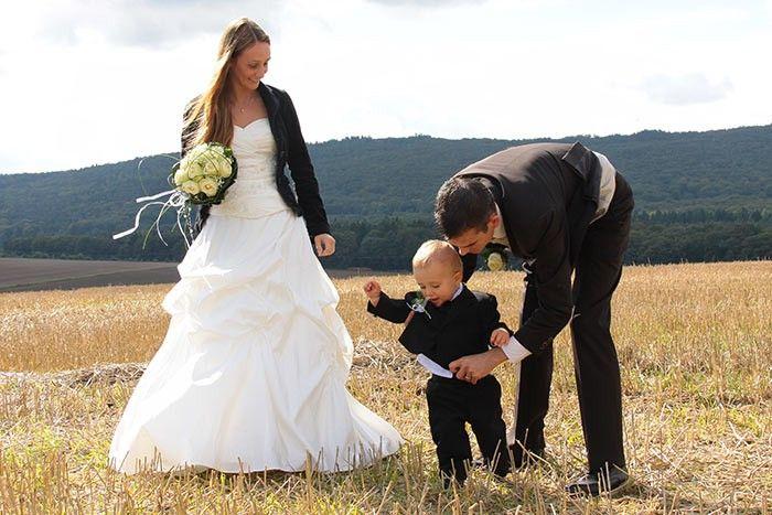 Hochzeit Mit Kindern Schone Aufgaben Unterhaltung Geschenke Hochzeit Hochzeit Bilder Hochzeitsfoto Mit Kind