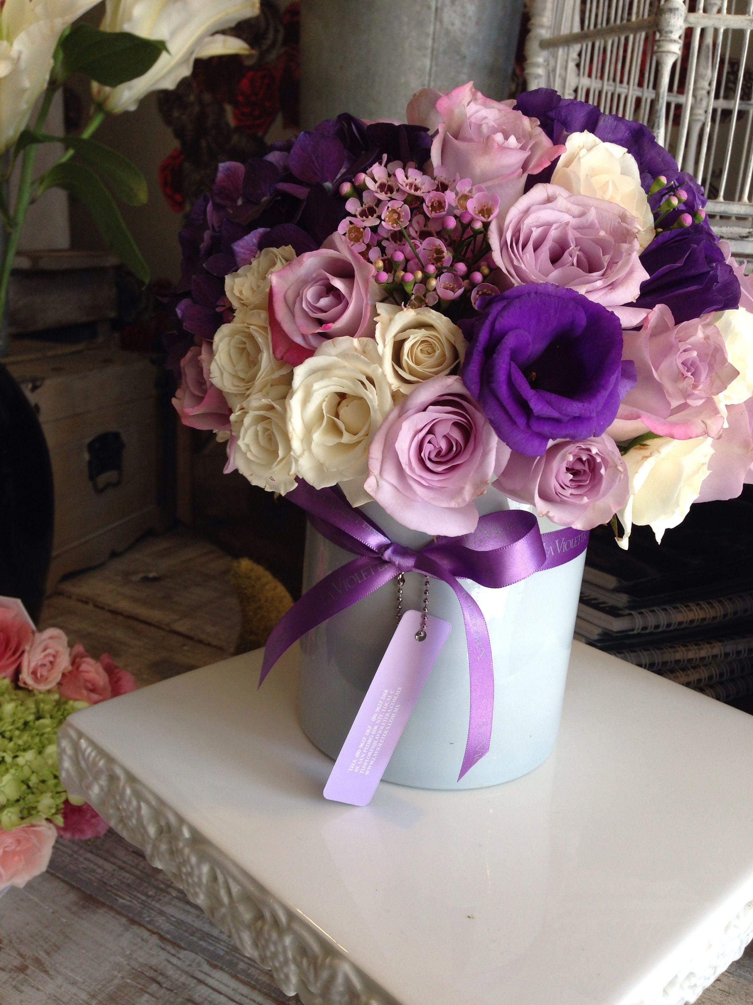 Arreglo Floral Lilas Y Morados Encantadores Arreglos