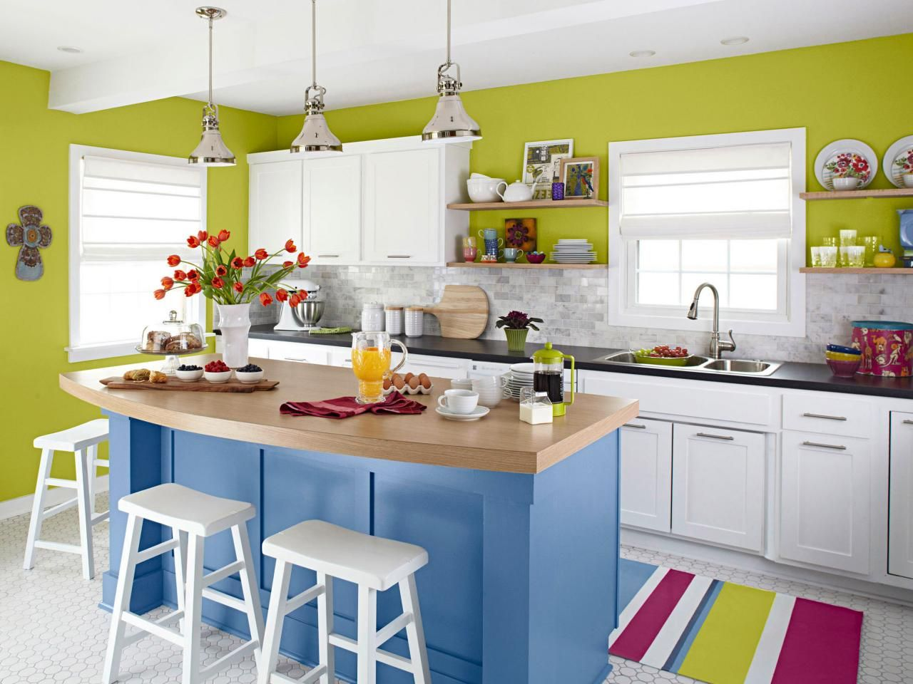 Small Kitchen Design Smart Layouts & Storage Photos  Kitchens Inspiration Small Kitchen Island Design Ideas Design Inspiration
