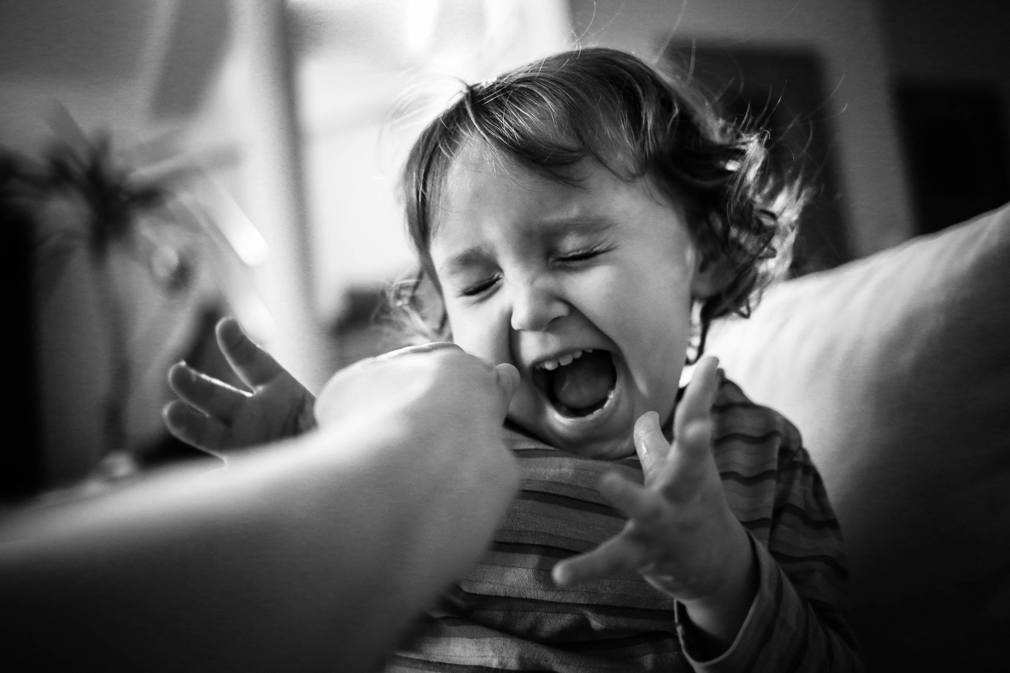 Children photography emotions in bw by dee schneider foto