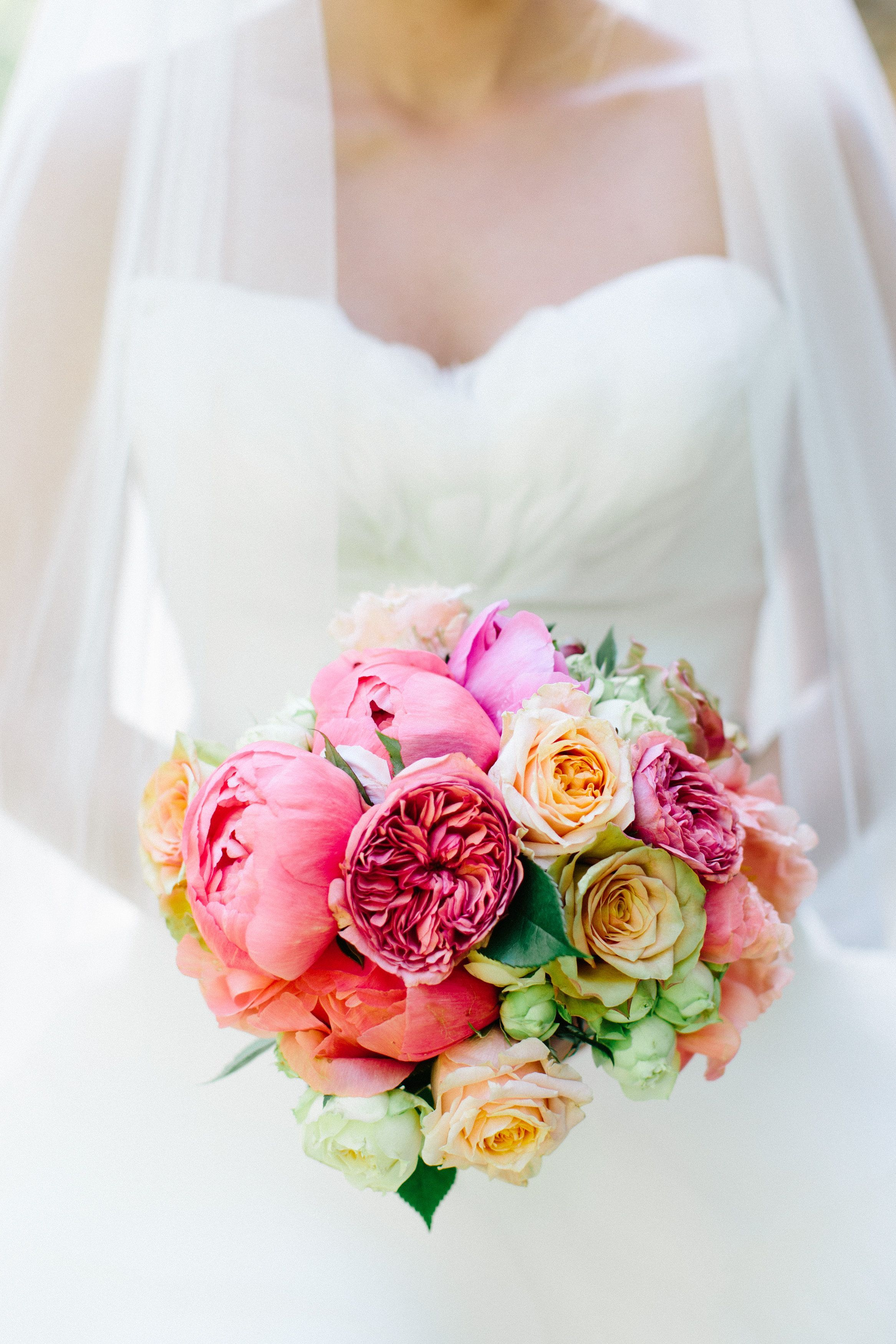 Bunter Brautstrauss Im Monat Mai Hochzeit