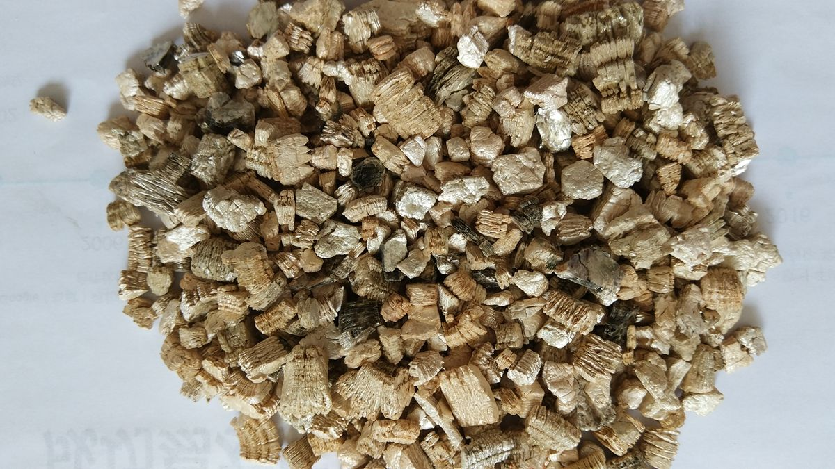 Suppliers of Pure vermiculite does not contain asbestos and is non ...