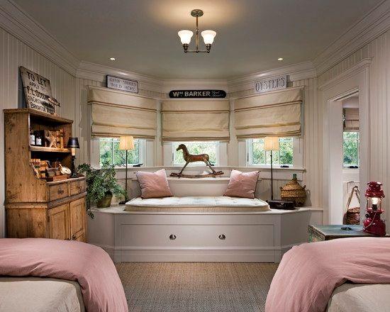 Dormitorios decorados con asientos bajo la ventana para for Decoracion de cuartos para ninas grandes