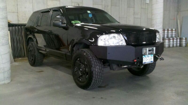 Ford Explorer Lifted W Winch Ford Explorer Ford Explorer Xlt