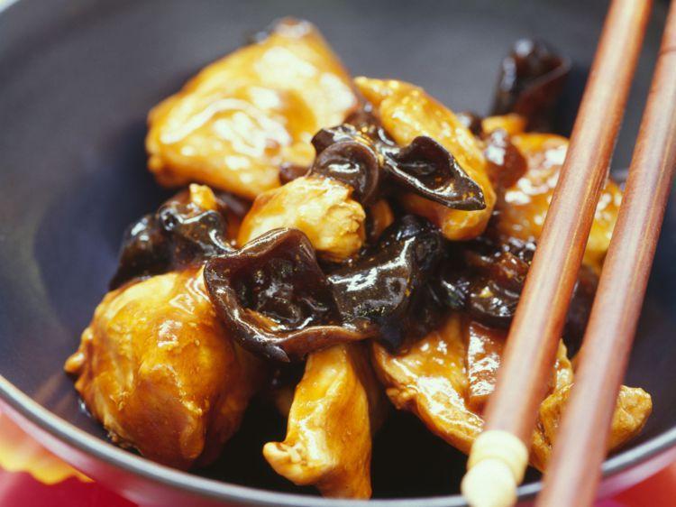 Recette Poulet aux champignons noirs. Ingrédients (4 ...