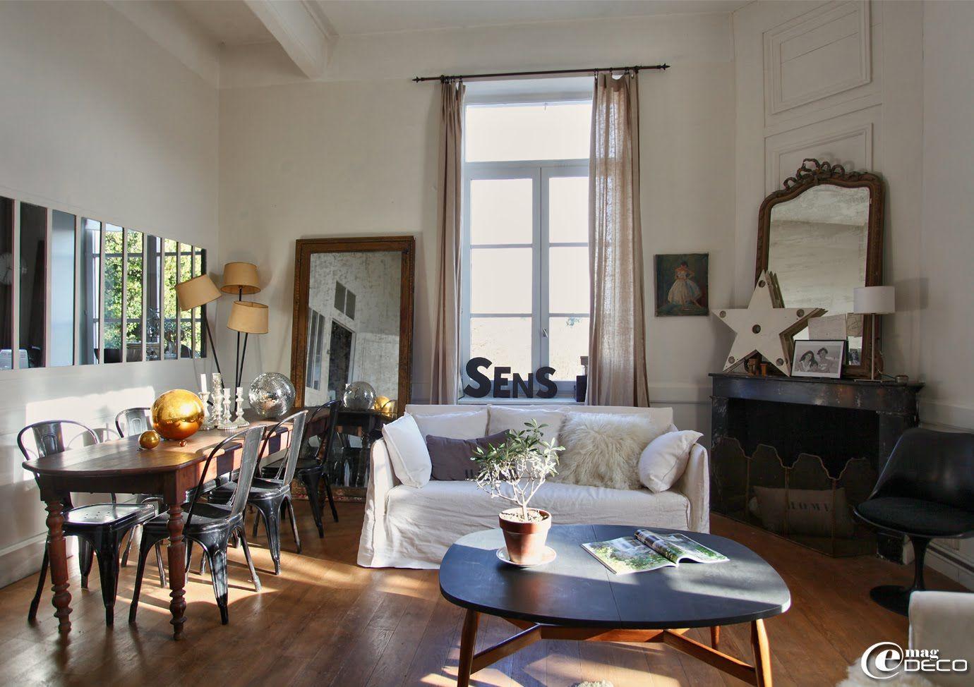 dans le salon de florence bouvier antiquaire lyon une. Black Bedroom Furniture Sets. Home Design Ideas