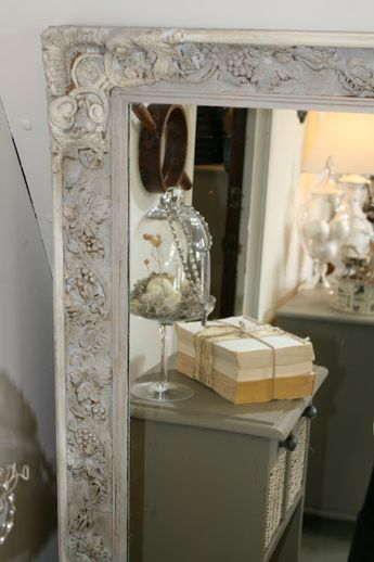 Paint A Gaudy Gold Mirror Frame, How To Paint A Gold Framed Mirror