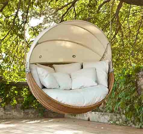 rattan hanging lounger armadillo im farbton toasted und klassisch hellem stoff sun islands. Black Bedroom Furniture Sets. Home Design Ideas