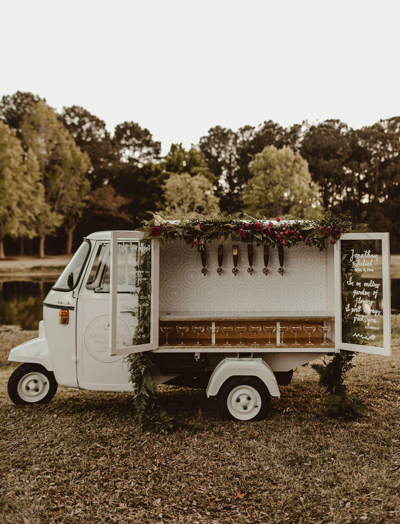 Moody charleston wedding inspiration with the cutest vintage italian