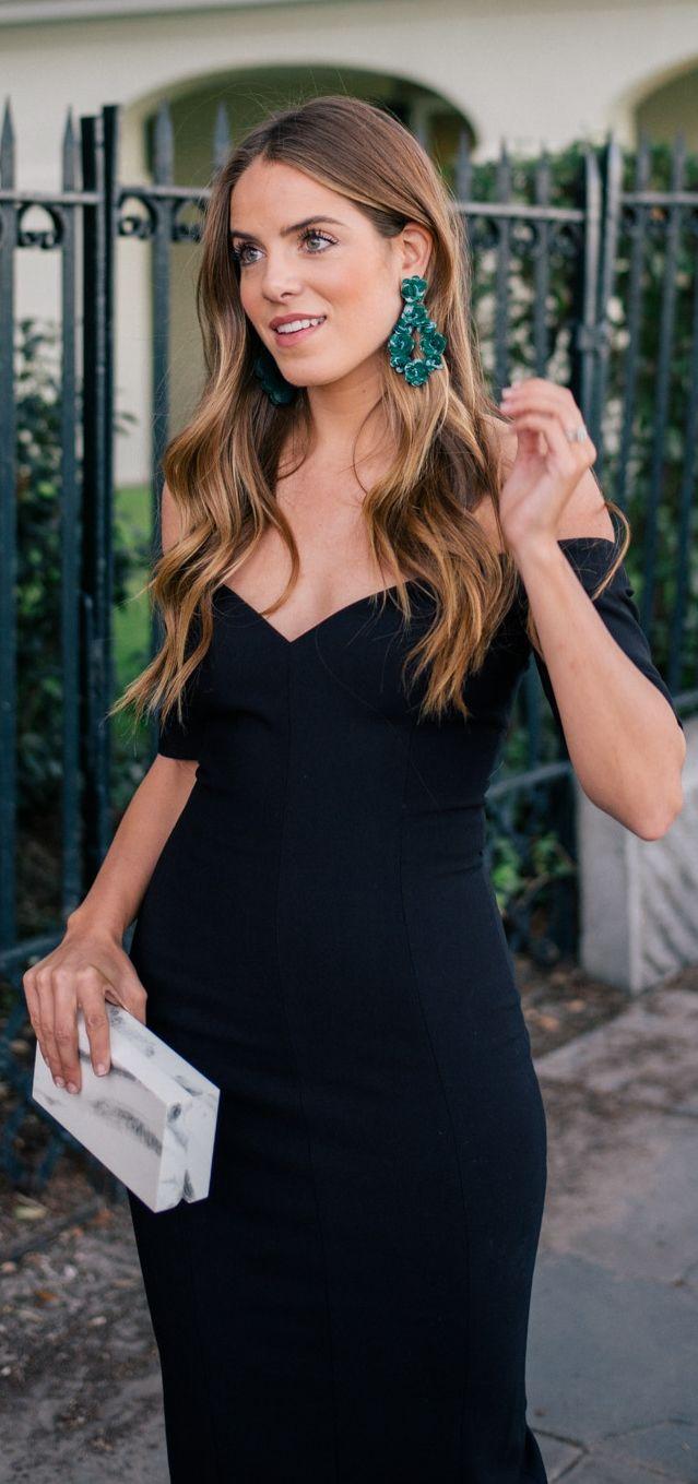 The Little Black Dress Manolo Blahnik Giveaway Julia Berolzheimer Black Dress Accessories Little Black Dress Dresses [ 1359 x 639 Pixel ]