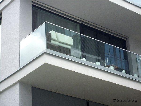 balkongel nder aus glas sind nicht nur elegant sondern auch u erst sicher balkon. Black Bedroom Furniture Sets. Home Design Ideas