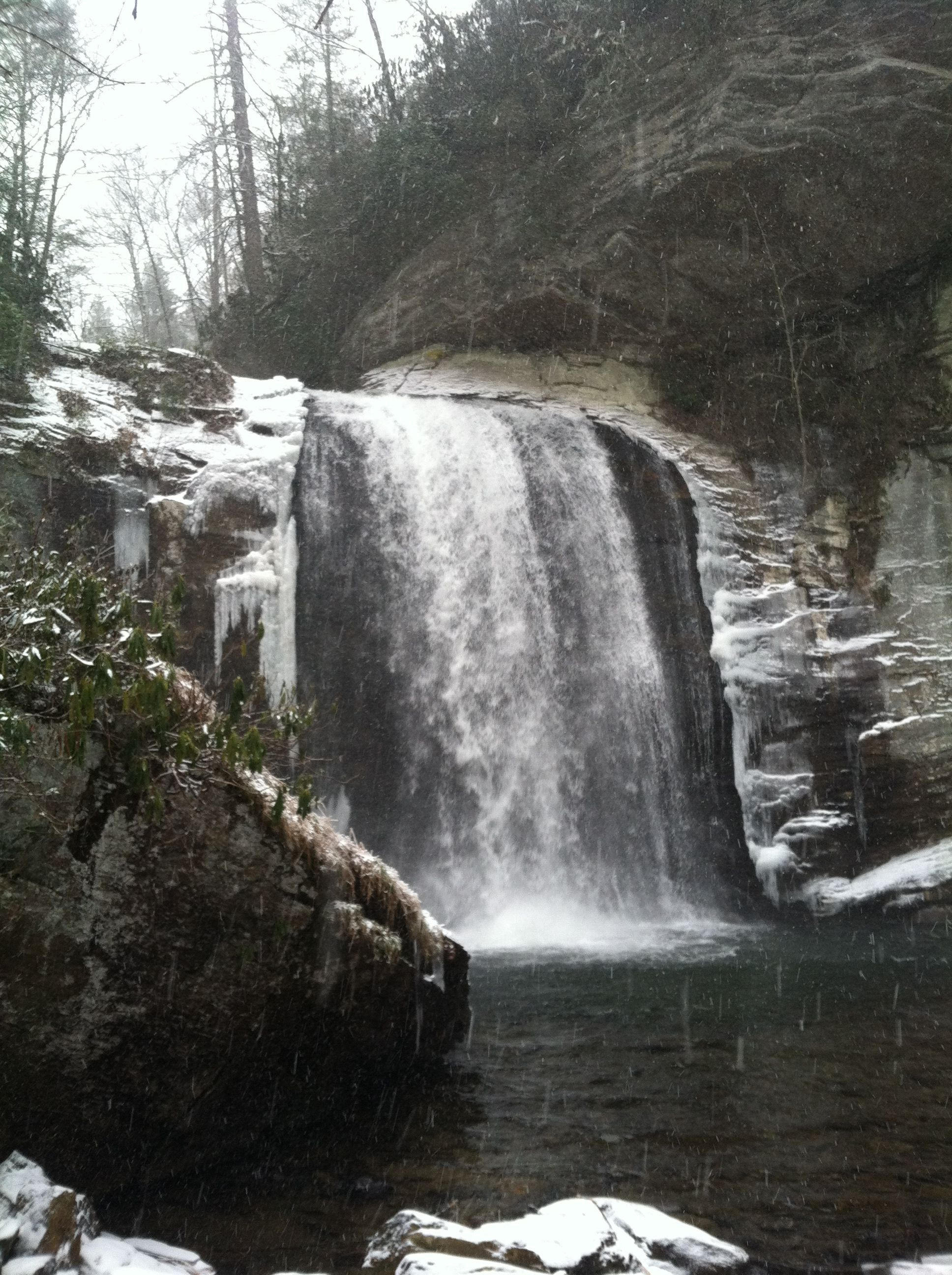 Looking Glass Falls #snowyday in 23 degree weather!!