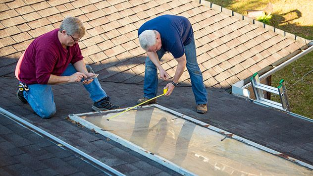 How To Repair A Leaking Skylight Today S Homeowner Skylight Diy Roofing Repair