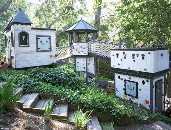 15 Playhouses Cooler Than Your OwnHome