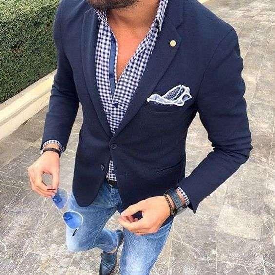 Vestiti Eleganti Con Jeans.Abbinare La Giacca Ai Jeans Giacca Blu Elegante Con Jeans