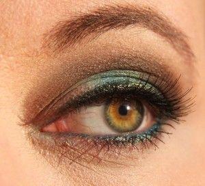 emerald liner + pale pink lip | Looks, Hair hair, Look
