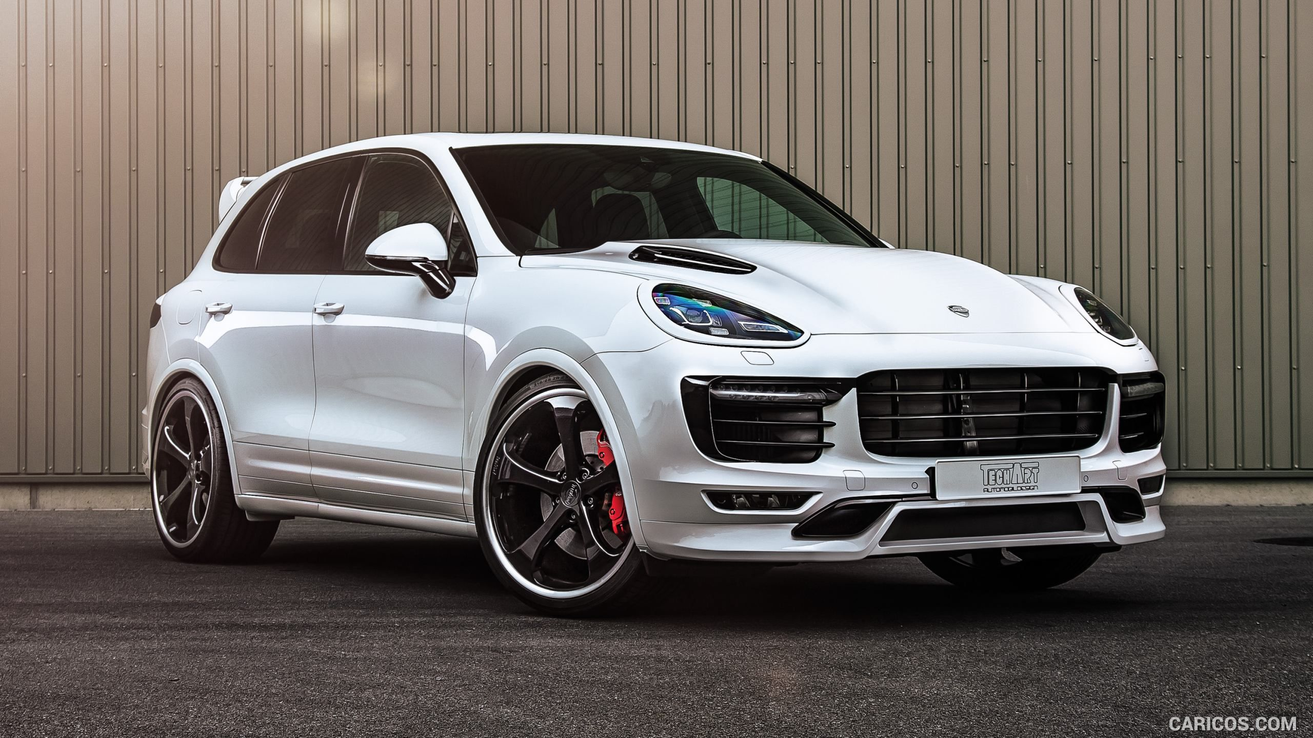Techart blasts into porsche cayenne turbo to make it faster than the bentley bentayga