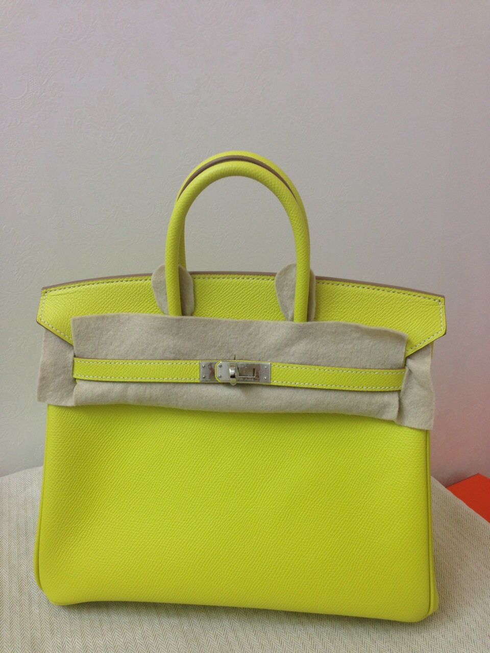 abefc27e6ec0 Unused Birkin 25 Lime Candy O stamp phw Epsom