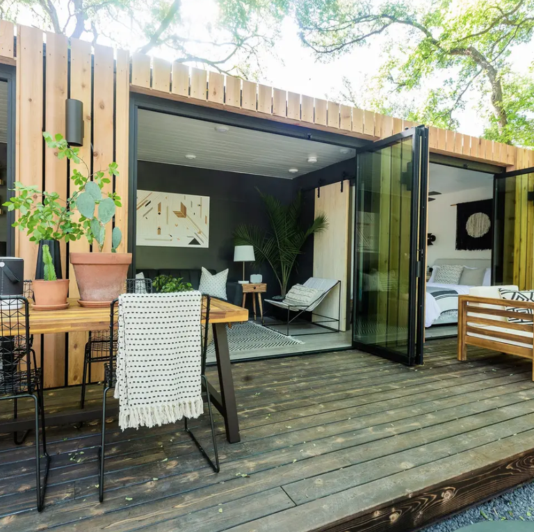 Jojo Fletcher and Jordan Rodgers Renovated a Rusty Old Shipping Container—And It s Available on Airbnb