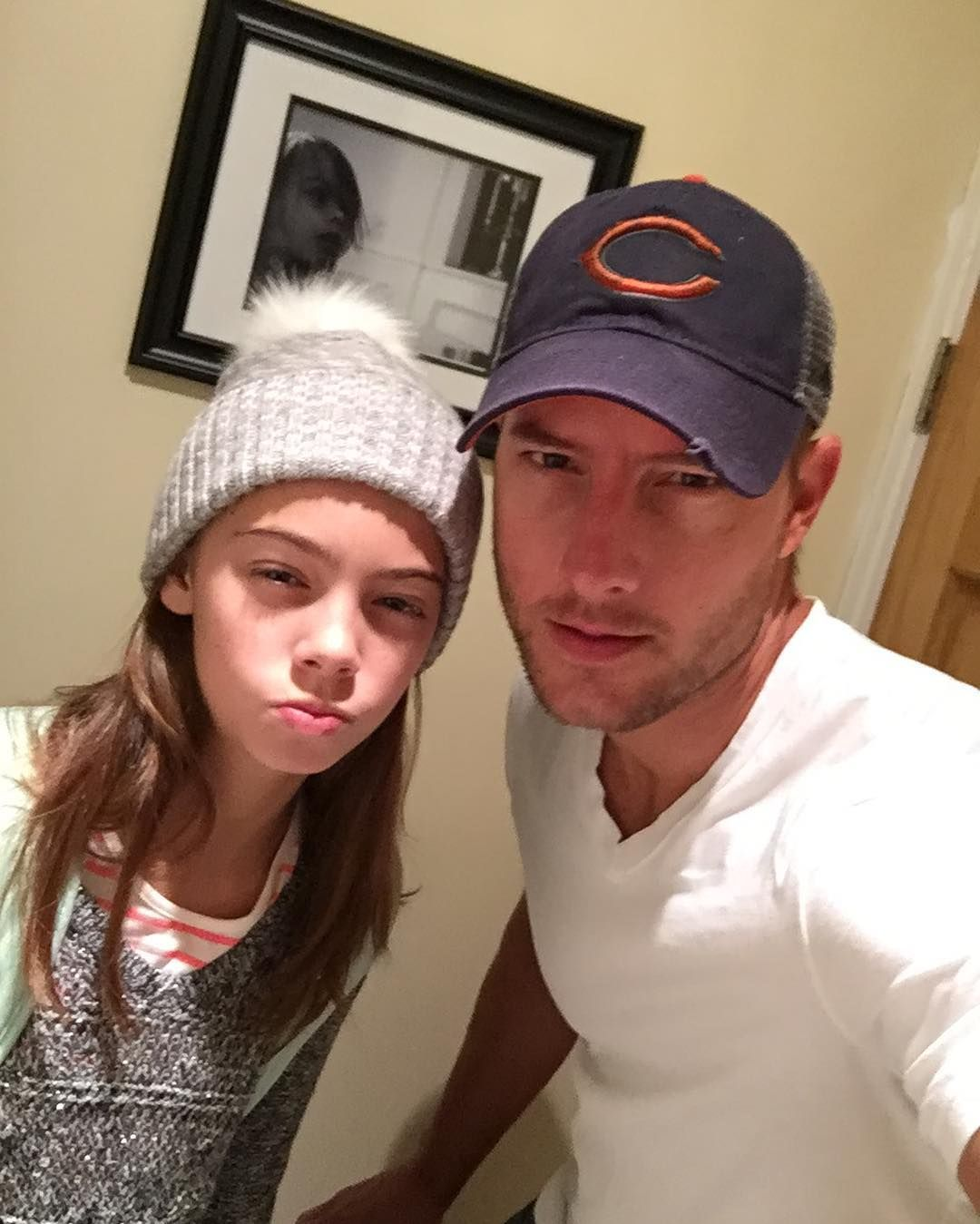 This is us star justin hartley takes daughter isabella to for Isabella hartley