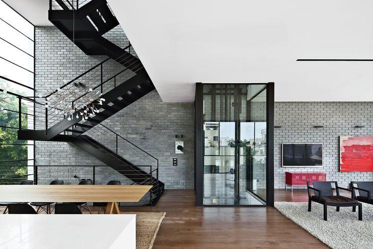 Modern High-Rise Town House in Tel Aviv | Dwell