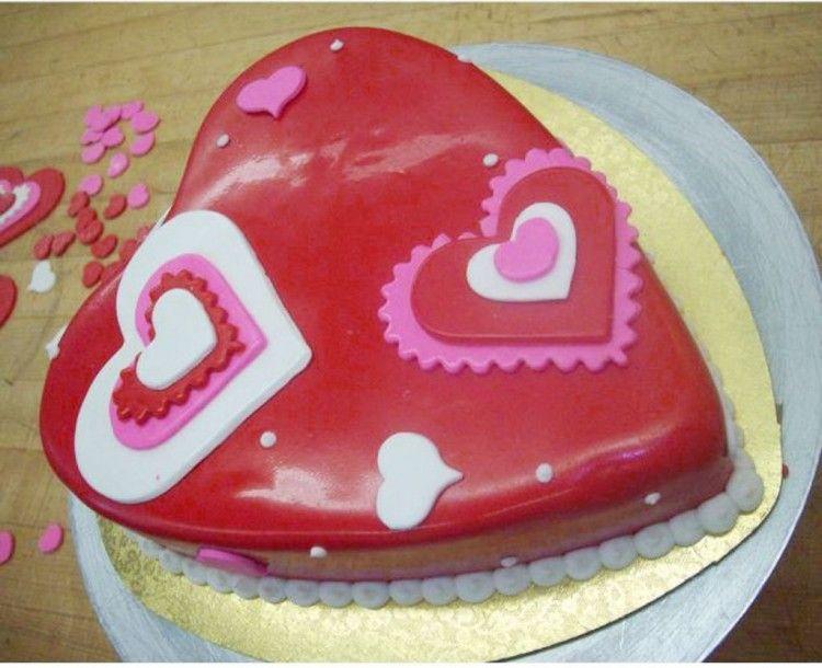 heart shaped cake idea