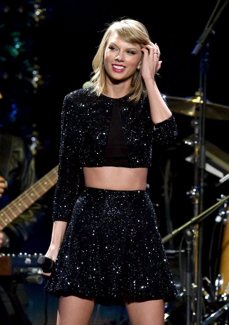 b3500473a Pin for Later: Taylor Swift Shakes Off Those Kissing Rumors at the Jingle  Ball Concert