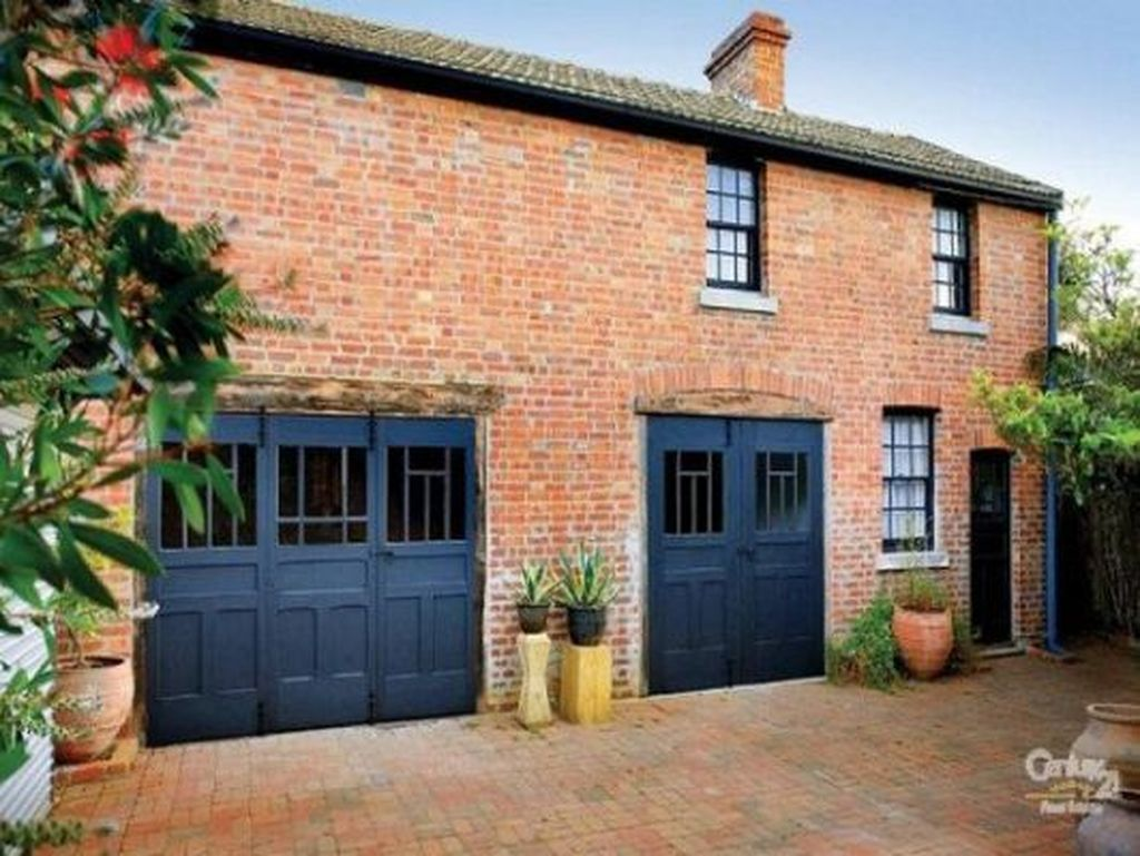 Cool 39 Best Exterior Paint Color Ideas Red Brick. More at ... on Garage Door Colors Ideas  id=79841