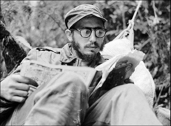Fidel Alejandro Castro Ruz (Birán, Holguín, 13 de agosto de 1926), es un militar, revolucionario, estadista y político cubano. Fue mandatario de su país como primer ministro (1959-1976) y presidente (1976-2008). También fue comandante en jefe de las Fuerzas Armadas Revolucionarias (1956-2008) y mantuvo el poder como primer secretario del Partido Comunista desde 1965 hasta 2011, cuando terminó definitivamente su mandato.