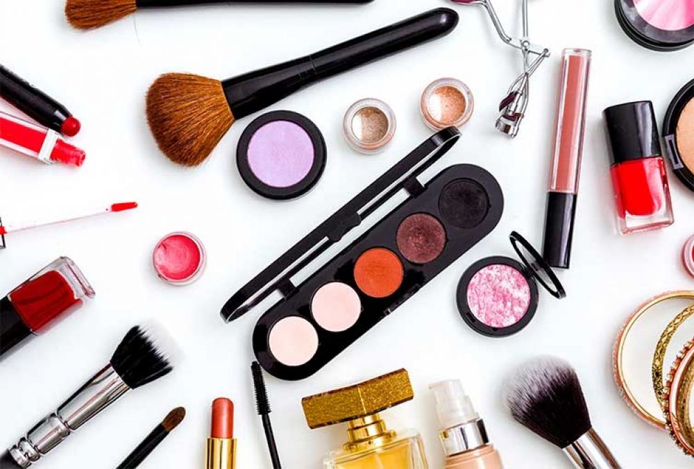 Buy Makeup Products online!