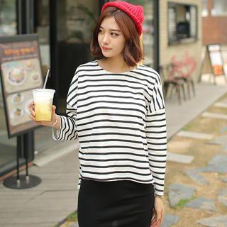 在YesStyle.com.hk 購買 'Envy Look 品牌 – 棉質條紋 T 恤', 多買符合優惠的 南韓 產品,即可享受免郵費快遞服務!